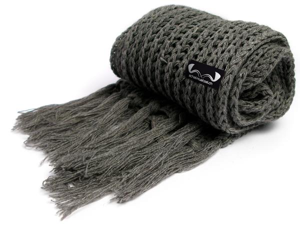grey_scarf_zettel